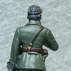 Оловянная миниатюра офицер бронетанковых войск в походной форме