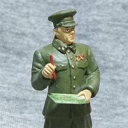 Оловянная миниатюра генерал-лейтенант в походной форме