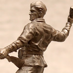 Оловянная миниатюра рядовой стрелковых войск СССР с гранатой