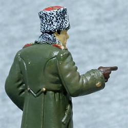 Оловянная миниатюра генерал в зимней форме