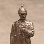 Оловянная миниатюра генерал-майор германской армии в полевой форме с биноклем