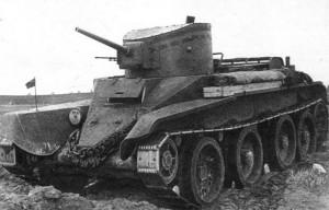 Танк БТ-2 с пушкой Б-3 и пулеметом в отдельной утсановке