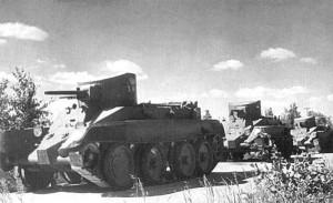 БТ-2 на марше