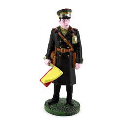 Оловянная миниатюра офицер бронетанковых частей в полевой форме